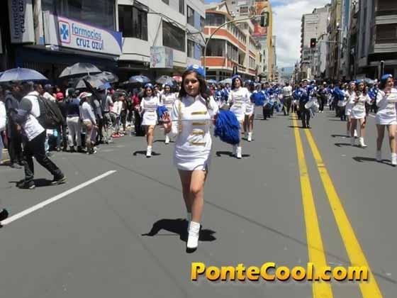 Colegio Ambato Desfile del 12 de Noviembre de 2016
