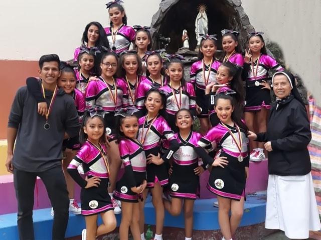 U. E. Carmen Barona en el Festival de Cheerleaders Ambato 2019