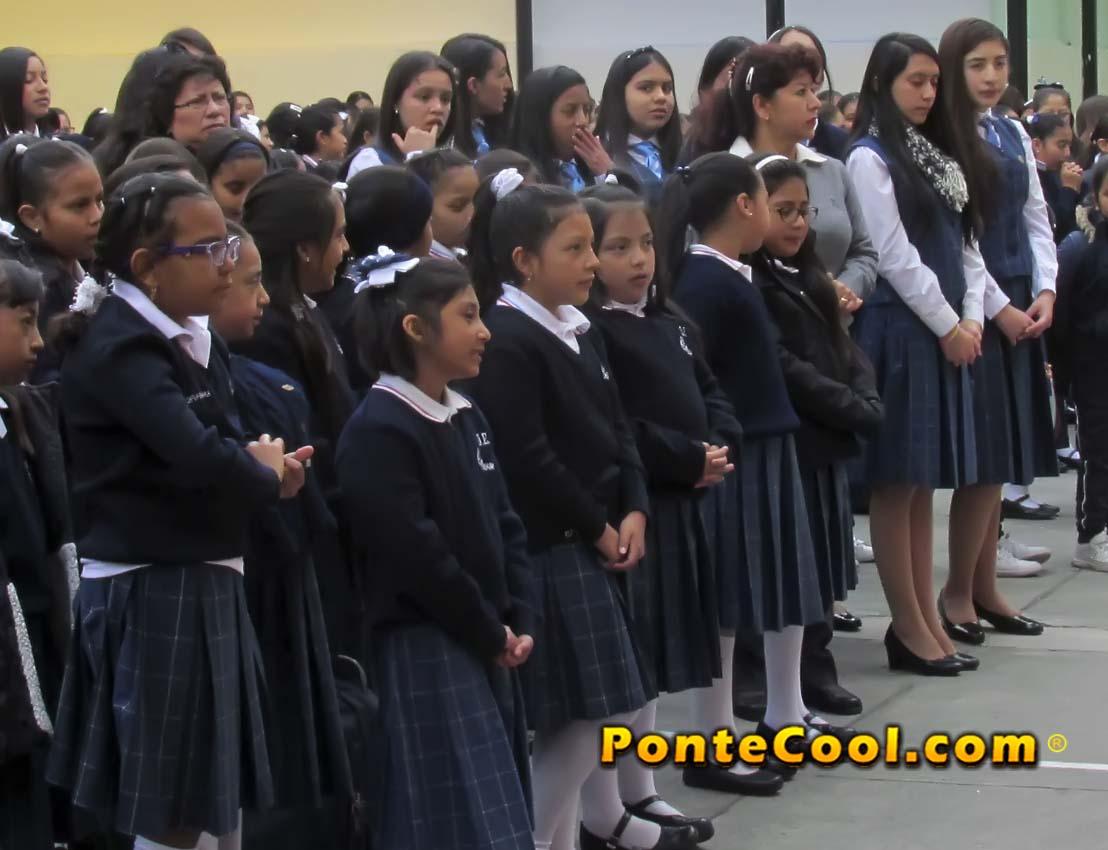Celebración del Día de la Bandera en la U. E. Carmen Barona
