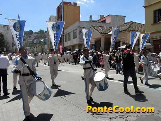 Colegio Guayaquil Desfile del 12 de Noviembre de 2016