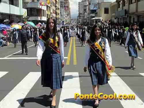 Colegio Santo Domingo de Guzmán Desfile del 12 de Noviembre de 2016