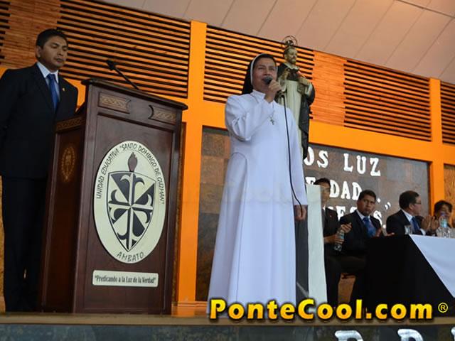 Juramento a la Bandera en la Unidad Educativa Santo Domingo de Guzmán 2016