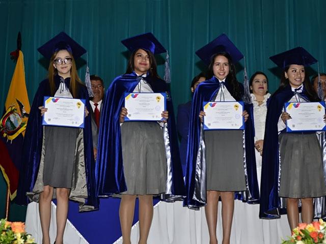 Graduación en la Unidad Educativa Ambato Promoción 2019 (Colegio Ambato)